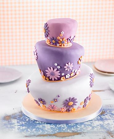 wonky-cake-con-fondant,-bizcocho-y-crema