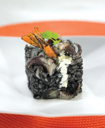 recetas-arroz-negro-con-sepia-y-langostinos