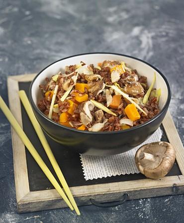 recetas-arroz-rojo-con-shiitake-y-calabaza