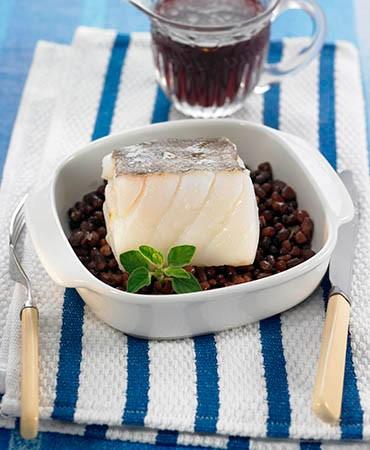 recetas-bacalao-confitado-con-alubias-azuki-y-caldo-de-remolacha