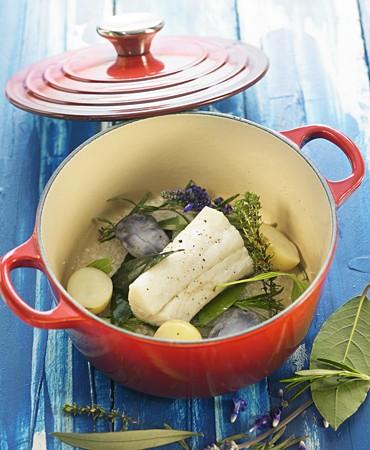 recetas-bacalao-en-vapor-de-sal-y-hierbas-frescas