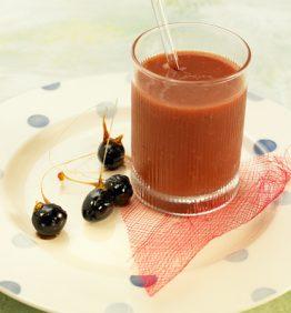recetas-bloody-mary-con-fresas-del-maresme-y-olivas-negras-caramelizadas