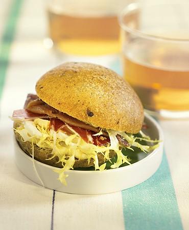 recetas-bocadillito-de-anchoas-con-huevo-y-mayonesa
