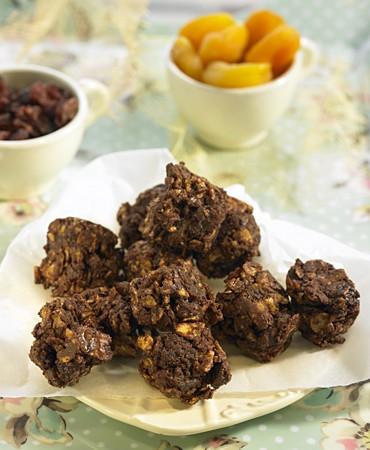 recetas-bocados-de-frutos-secos-y-chocolate