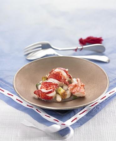 recetas-bogavante-natural-alubias-y-pan-con-aceite-y-perejil