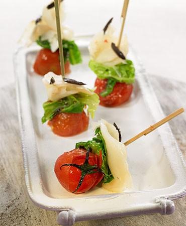 recetas-brocheta-rapida-de-col-con-tomate-y-bacalao-ahumado
