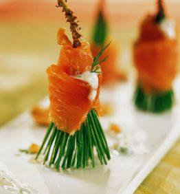 recetas-brochetas-de-salmon-con-pino-y-queso-fresco