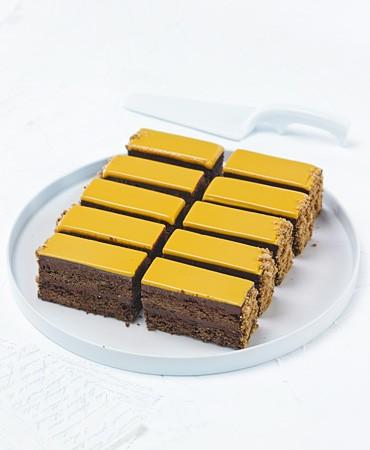 recetas-brownie-de-pistacho-con-ganache-de-albaricoque