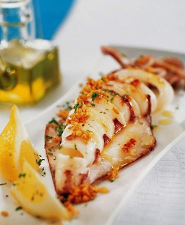 recetas-calamar-a-la-plancha-con-ajo-y-perejil