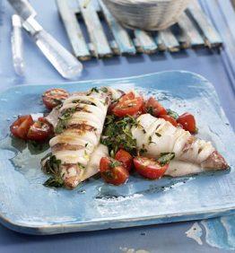 recetas-calamares-a-la-plancha-con-tomates-y-hierbas