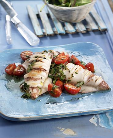 Calamares A La Plancha Con Tomates Y Hierbas Delicooks