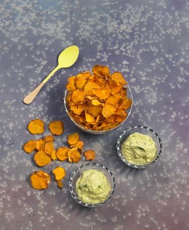 recetas-chips-de-boniato-con-pate-de-aguacate