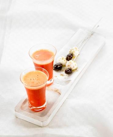 recetas-chupitos-de-pimiento-rojo-y-naranja-con-mini-brocheta-mediterranea