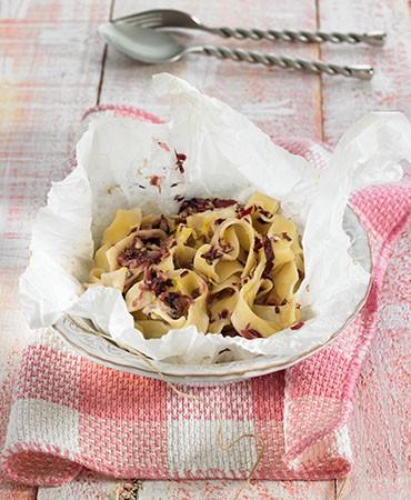 recetas-cintas-al-cartocchio-con-crema-de-radicchio