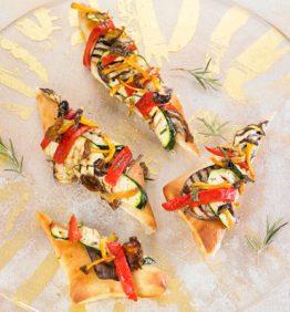 recetas-coca-de-pimientos-berenjena-calabacin-camagrocs-y-romero