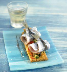 recetas-coca-de-sardinas-con-hortalizas-y-olivada