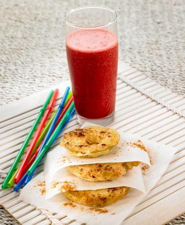 recetas-combinado-de-remolacha-manzana-y-zanahoria-con-roscos-de-manzana