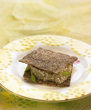 recetas-crackers-de-nueces-con-quinoa-a-la-pera