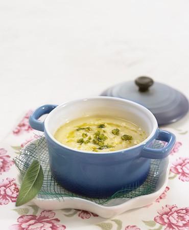 recetas-crema-de-maiz-con-aceite-de-albahaca