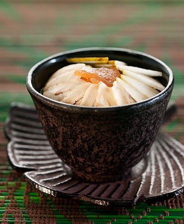 Crema de manzana con nueces de macadamia y castañas