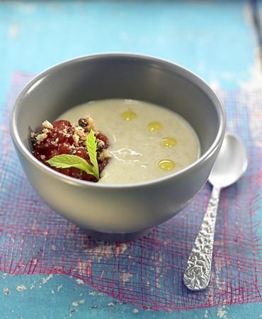 recetas-crema-de-platano-y-coco-macedonia-de-fresas-y-crumble