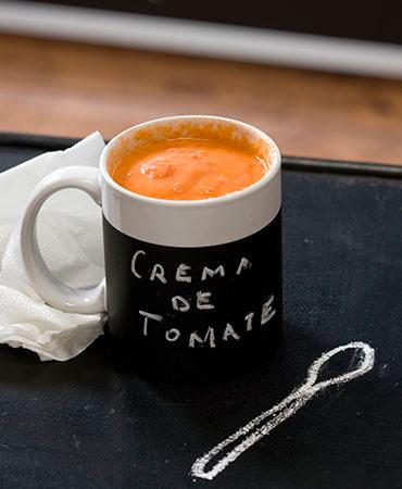 Crema de tomate fría
