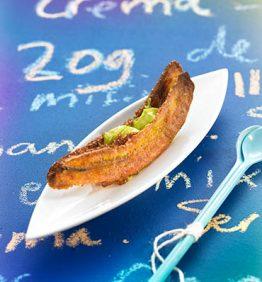 recetas-crujiente-de-platano-macho-y-aguacate