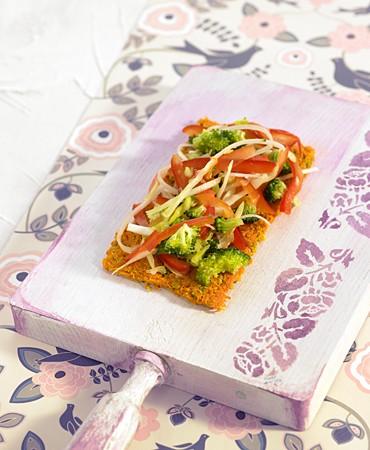 recetas-crujiente-de-zanahoria-con-verduras-marinadas