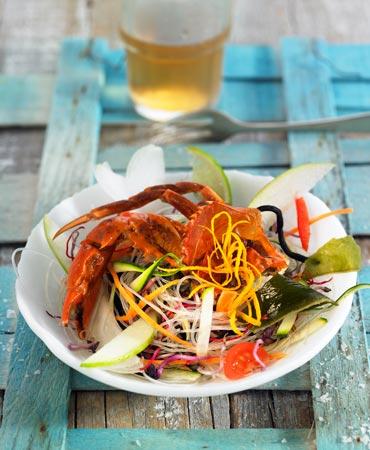Ensalada de algas con cangrejo de cáscara blanda