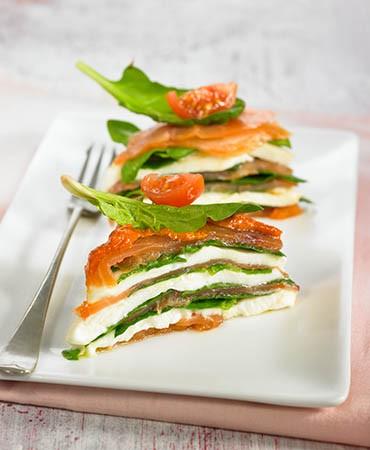 recetas-ensalada-de-espinacas-salmon-y-romesco