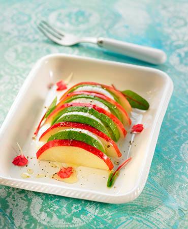 Ensalada de manzana roja y aguacate