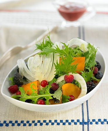 recetas-ensalada-de-mizuna-con-vinagreta-de-frutos-rojos