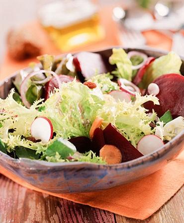 recetas-ensalada-de-verduras-crudas-con-aceite-de-jengibre-y-limon