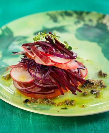 recetas-ensalada-roja-con-caviar-de-olivas-negras