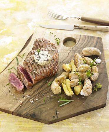 recetas-entrecot-de-buey-a-la-brasa-con-patatas-ratte-a-la-sal-y-mantequilla-de-olivas