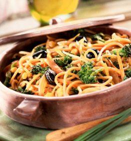 recetas-espaguetis-integrales-con-brocoli