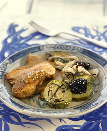 recetas-estofado-de-seitan-con-arame-ciruelas-y-salsa-de-mostaza