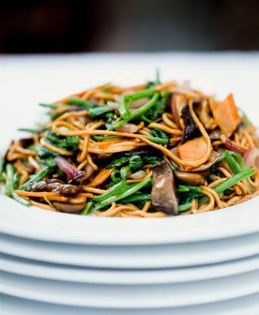 recetas-fideos-noodles-al-huevo-con-verduras