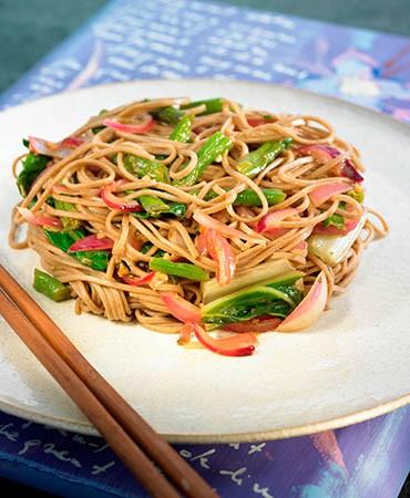 recetas-fideos-soba-y-verduras-al-wok