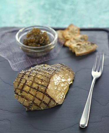 recetas-foie-gras-a-la-sal-de-zaatar-y-caviar-de-berenjena