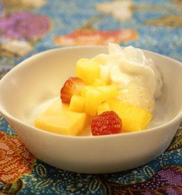 recetas-frutas-en-almibar-y-flan-de-anis-con-nata-especiada