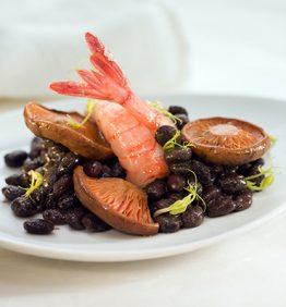 recetas-gamba-roja-con-frijoles-y-setas-de-temporada