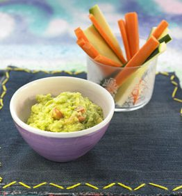 recetas-guacamole-con-palitos-de-hortalizas