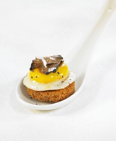 recetas-huevo-de-codorniz-con-trufa