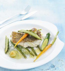 recetas-mero-asado-con-hinojo-silvestre-y-verduritas