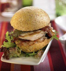 recetas-mini-bocadillos-de-lomo-bacon-y-pimiento-verde