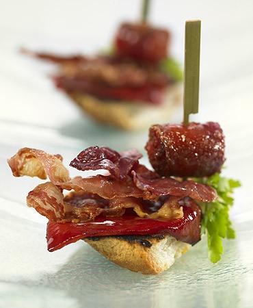 recetas-montadito-de-chistorra-con-bacon-y-pimientos-del-piquillo