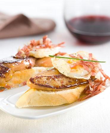 recetas-montadito-de-foie-huevo-de-codorniz-y-virutas-de-jamon-serrano