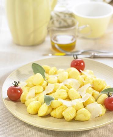 recetas-oquis-con-aceite-de-curcuma-y-salvia