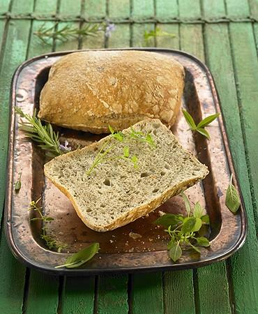 recetas-pan-de-hierbas-aromaticas